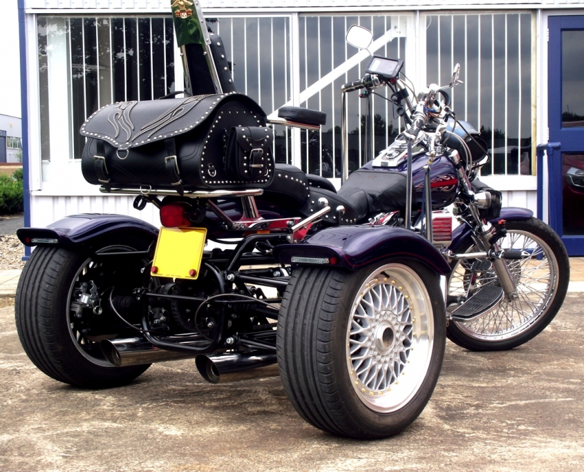 Casarva Harley Dyna Wide Glide Trike (Chain conversion)