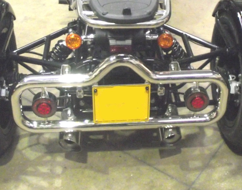 Casarva Polished Stainless Loop VEE bull bars with LED light pods